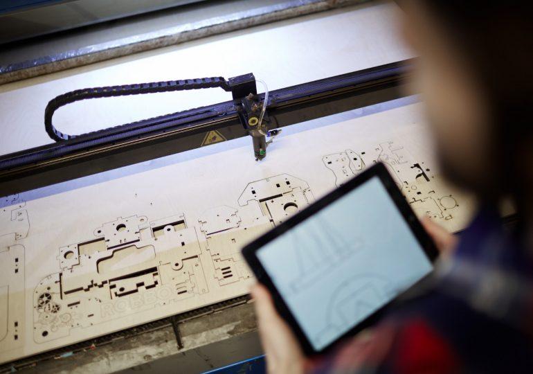 Frezowanie CNC – charakterystyczne cechy metody obróbki drewna
