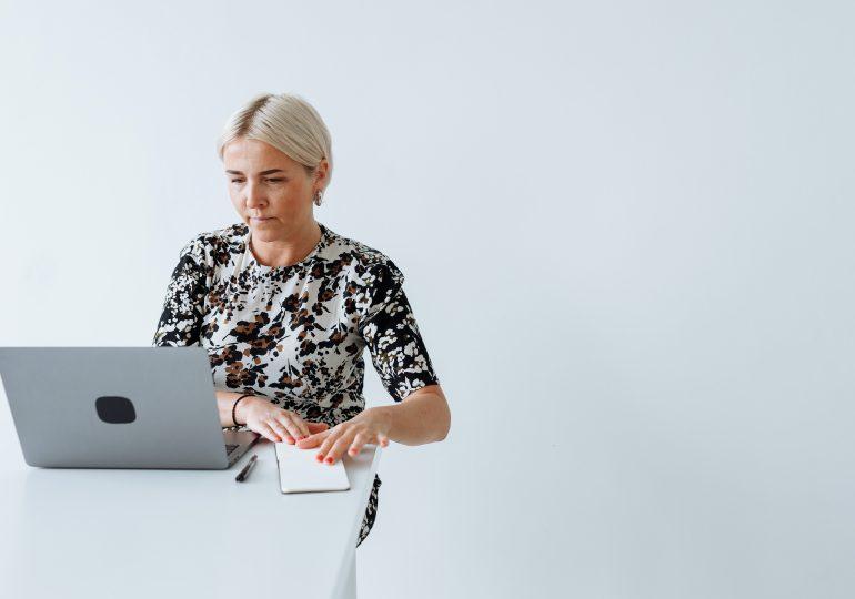 Wdrożenie pracownika online – jak przeprowadzić?
